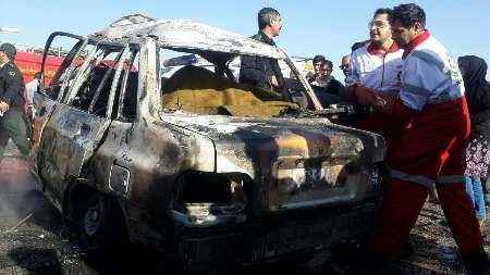 تصادف پراید - نیسان در استان فارس/ 4 مسافر پراید در آتش زنده زنده سوختند (+عکس)