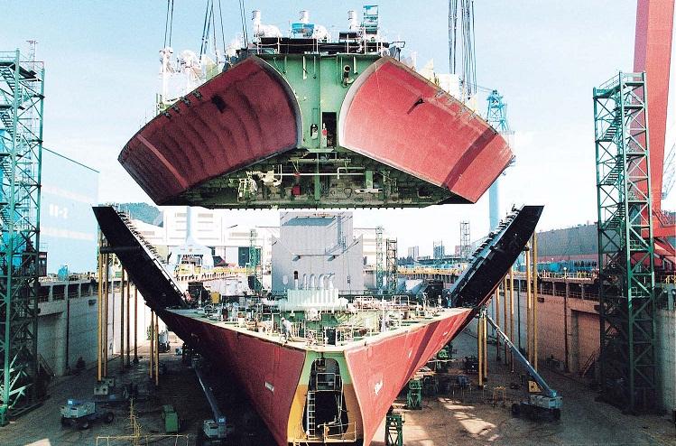 4 نکته درباره 10 کشتی: خودمان را گول نزنیم، اقتصاد شعار و تعارف ندارد