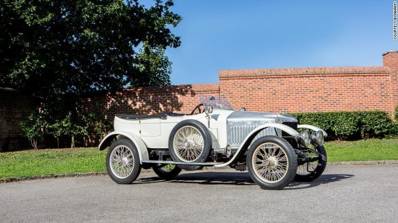 اولین خودروی اسپرت دنیا (+عکس)
