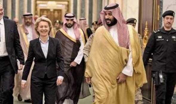 جنجال بر سر پوشش وزیر دفاع آلمان در عربستان