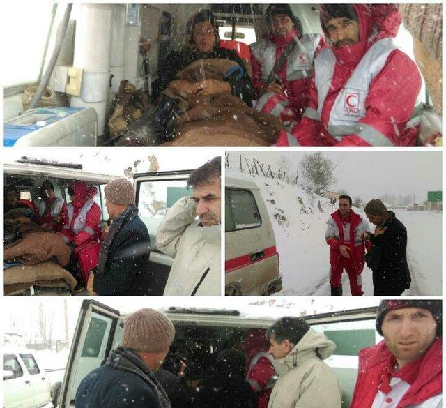 نجات مادر باردار در روز برفی نوشهر (+عکس)