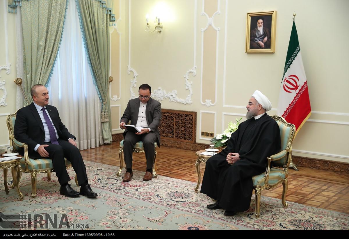 سفر ناگهانی وزیر خارجه ترکیه به تهران و دیدار با روحانی