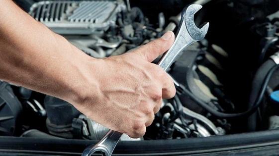 ١٠ عادت اشتباه در رانندگی كه به خودروی شما آسيب می رساند