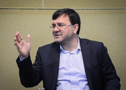 بهروز نعمتی: مجلس نباید به ماجرای حقوقها ورود میکرد/ لشگر «جمنا» جمع شده است تا روحانی را زمین بزند/ لاریجانی در انتخابات از روحانی حمایت میکند