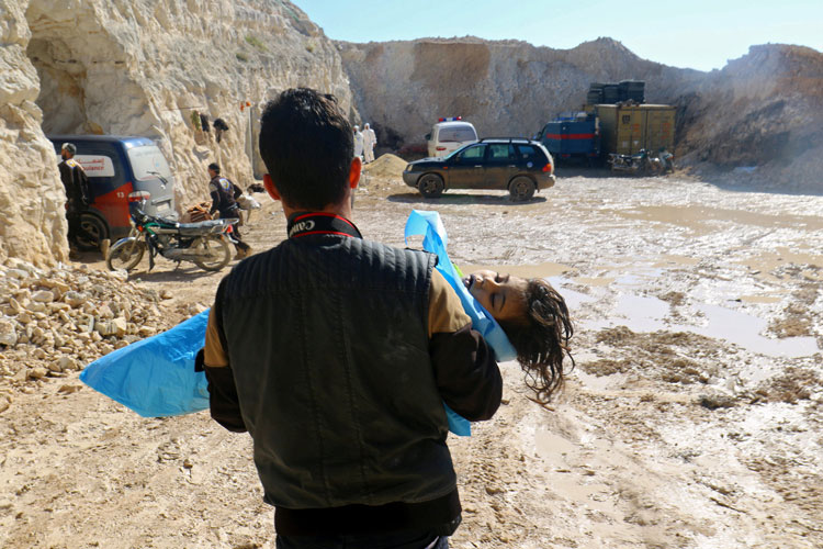 معمای استفاده از سلاح شیمیایی در سوریه / چه کسی ماشه را چکانده است؟