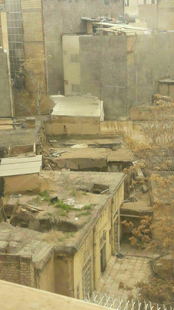 زلزله 6 ریشتری در نزدیکی مشهد (عکس) / تعطیلی مدارس و دانشگاه های مشهد، فریمان و سرخس/ 2 کشته و 7 زخمی تا این لحظه