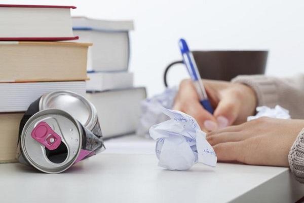 آثار منفی کافئین برای نوجوانان