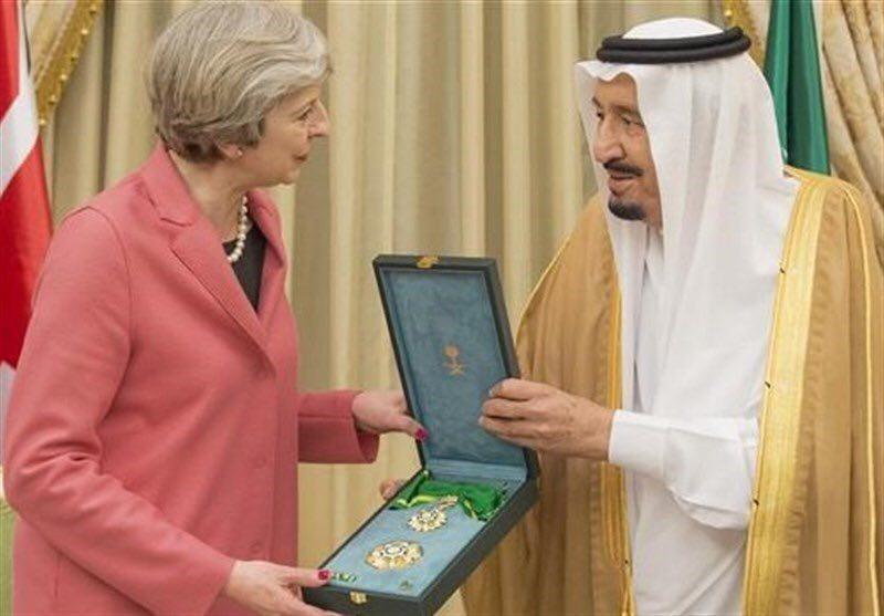 پادشاه عربستان عالیترین نشان غیرنظامی کشورش را به ترزا می اعطا کرد (+عکس)