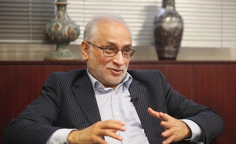 مرعشی: آمدن رئیسی به نفع روحانی است