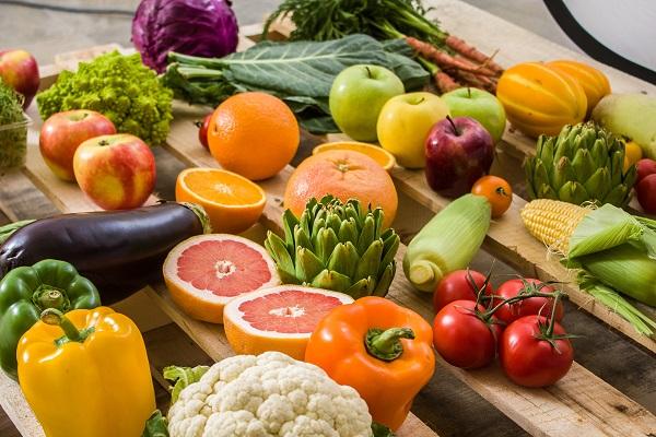 تفاوت بین میوهها و سبزیجات چیست؟
