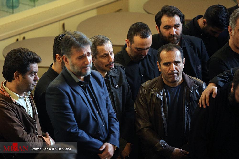 جواد رضویان و حسین رفیعی در مراسم تشییع عارف لرستانی (+عکس)