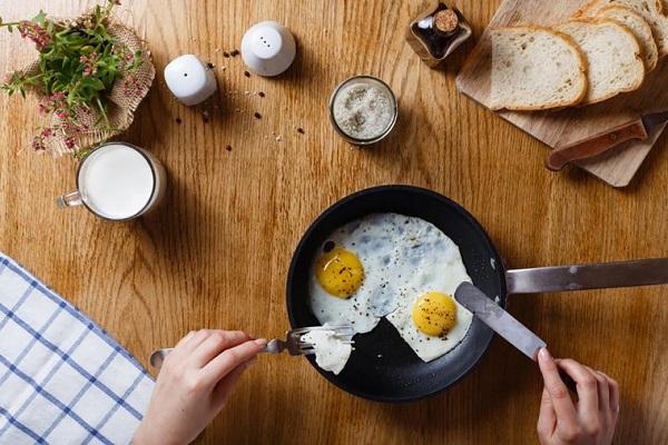 آیا خوردن صبحانه مشابه به کاهش وزن کمک میکند؟