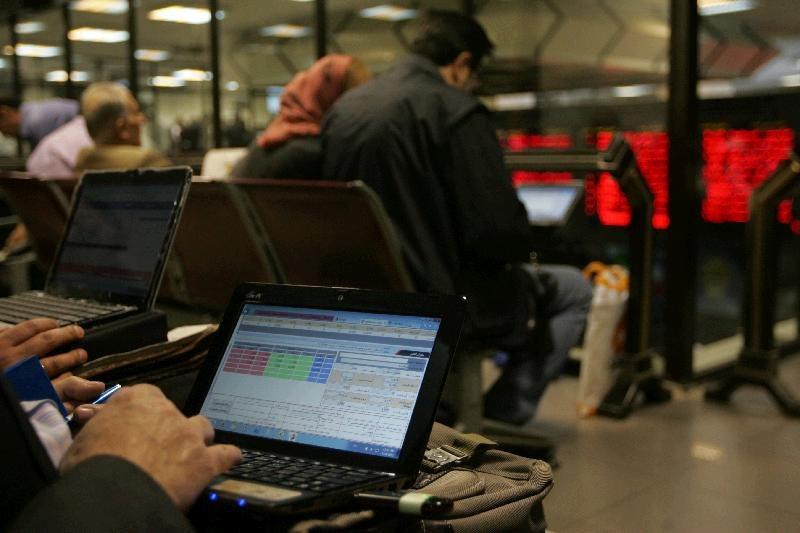 عبده تبریزی: تفاوت اقتصادهای بانک محور و بورس محور/نقش نظام بانکی در رونق تولید