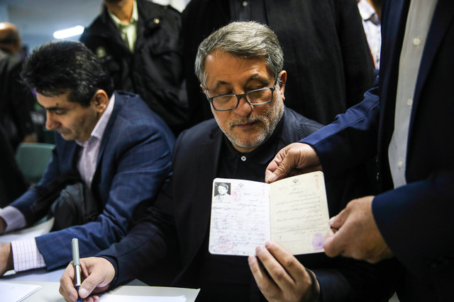 محسن هاشمي: تجاربم در حوزه شهری را در صورت ورود به شورای شهر ارایه میکنم