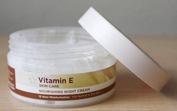 آیا ویتامین E برای پوست مفید است؟