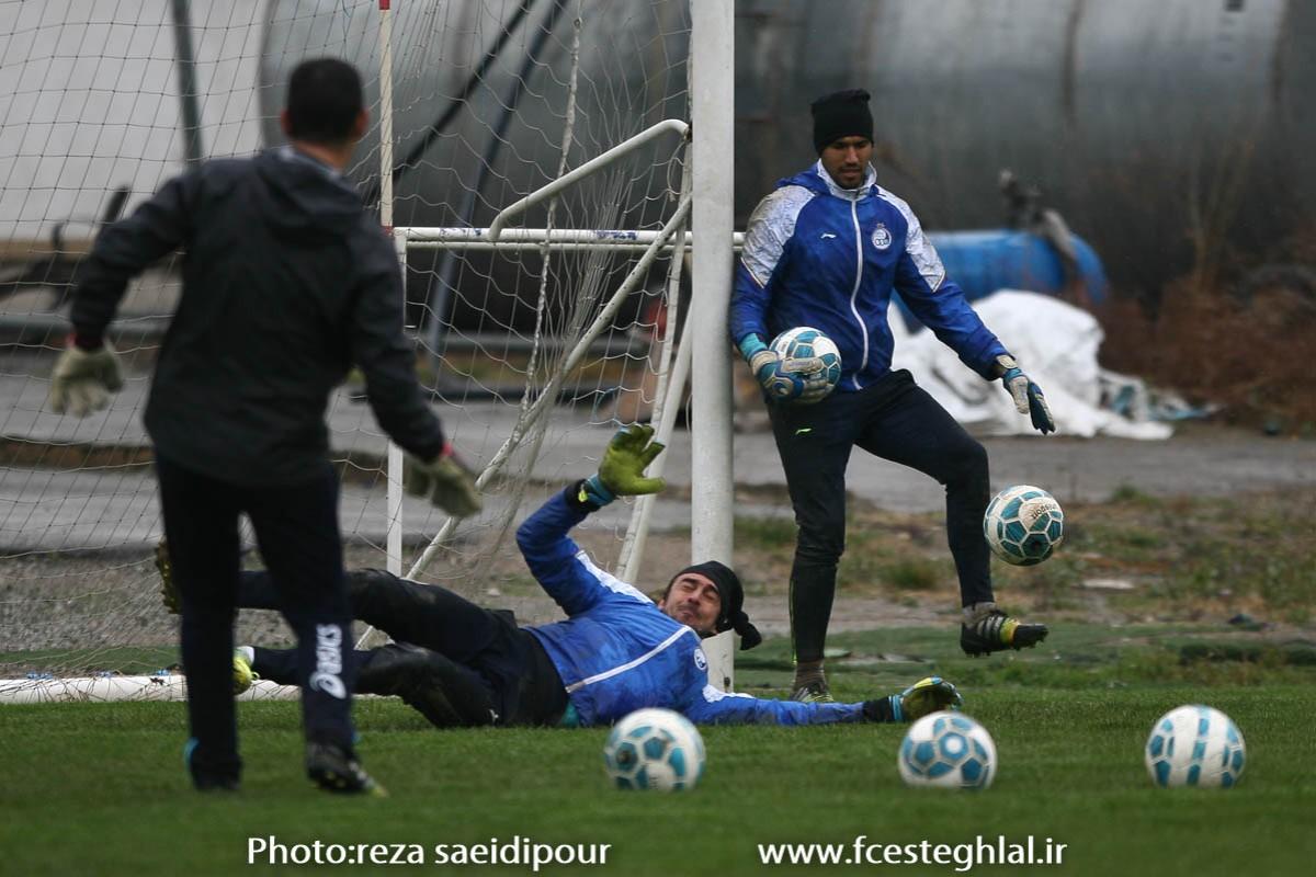 گل بازی آبی ها در غیاب منصوریان(+گزارش تصویری)