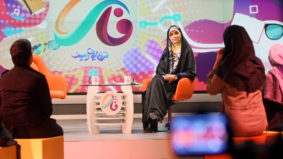 مژده لواسانی: «فاز» جاي «نيم¬رخ» را براي دهه هشتادیها میگیرد