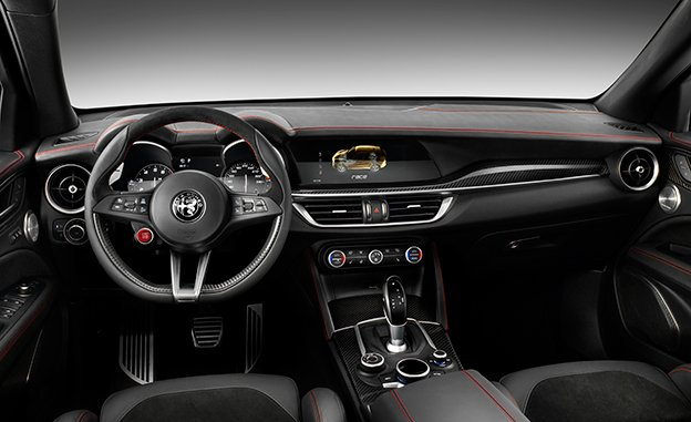 آلفا استلویو QV به دنبال عنوان اسپورتترین SUV جهان در رقابت با ماکان پورشه