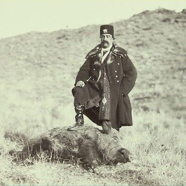 ژست ناصرالدین شاه پس از شکار گراز (عکس)