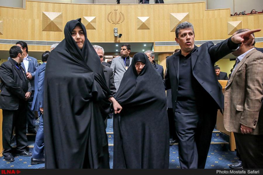 همنیشینی دختر هاشمی با نوه امام (+ عکس)