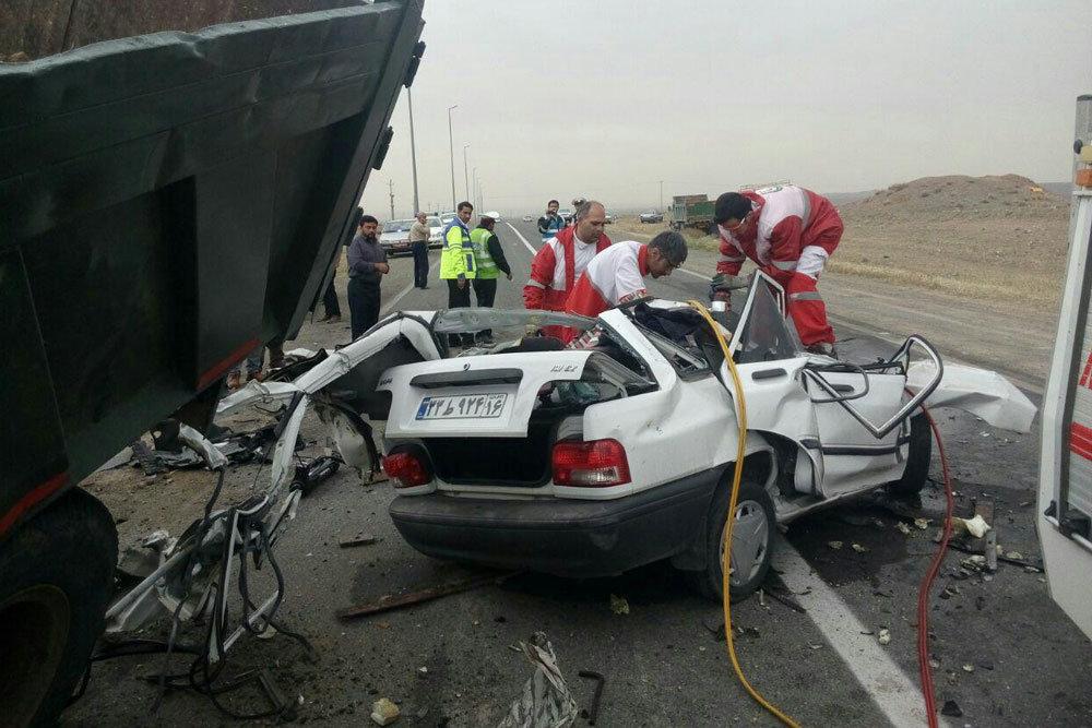 تصادف پراید با کامیون در ملایر/ 6 مصدوم و یک کشته (+عکس)