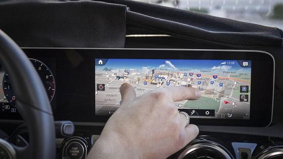 با این خودرو کلاس A مرسدس دوستانه صحبت کنید/ هوش مصنوعی خودرو زندگی و رانندگی را برایتان آسان میکند