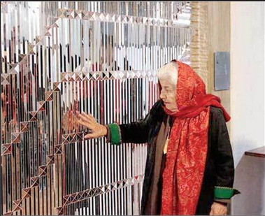 نقاشی زن 95 ساله یک میلیارد و 300 فروخته شد (+عکس)