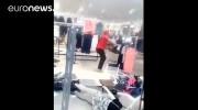 حمله به فروشگاه «اچ اند ام» در آفریقای جنوبی (فیلم)