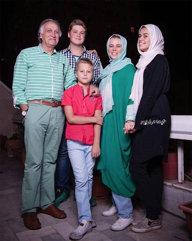 احمد نجفی در کنار همسر و فرزندان اوکراینیاش (عکس)