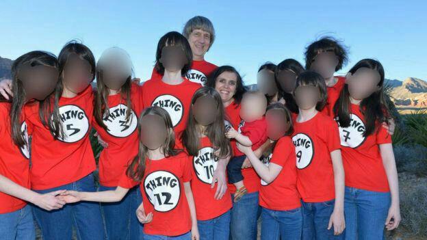 ماجرای زوج آمریکایی که 13 فرزند خود را شکنجه  میکردند/ بچه ها روزی یک وعده غذا می خوردند و سالی یک بار به حمام می رفتند/ جلوی بچه ها غذا می گذاشتند اما حق نداشتند بخورند
