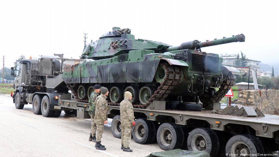 حمله توپخانهای ترکیه به مواضع کردهای سوریه در عفرین/ ترکیه: عملیات به زودی آغاز میشود
