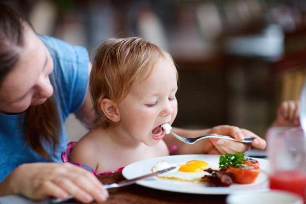 تقویت عملکرد مغز کودکان با یک تخم مرغ در روز