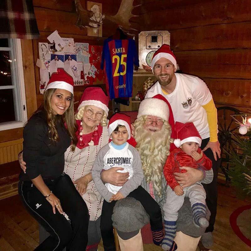 جشن کریسمس لیونل مسی و خانواده اش (عکس)
