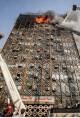 کابل های نگهدارنده تیرهای سازه پلاسکو، اُفت مقاومت داشتند/ عوامل حادثه از اتصالی برق تا مواد محترقه چهارشنبه سوری/سیستم سازه ای