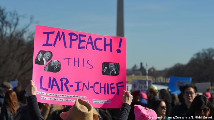 تظاهرات صدها هزار نفر علیه ترامپ در سالگرد ریاستجمهوریاش (+عکس)