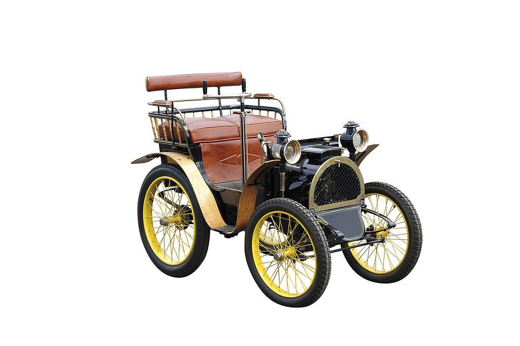 اولین خودروی ساخته شده توسط رنو (+عکس)