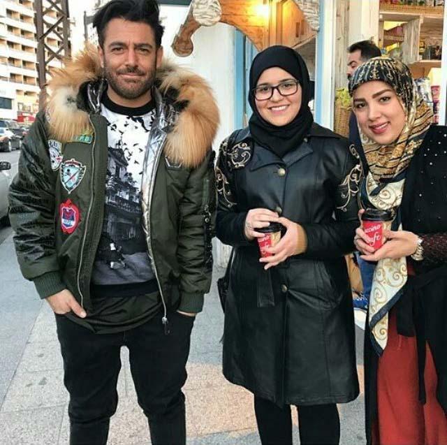 رضا گلزار در کنار خانم های طرفدارش در لبنان (عکس)