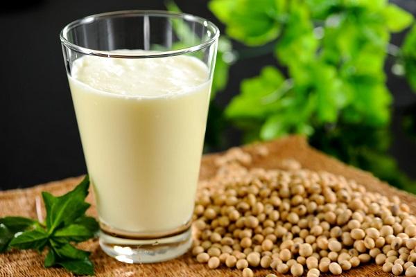 یک جایگزین گیاهی برای شیر گاو