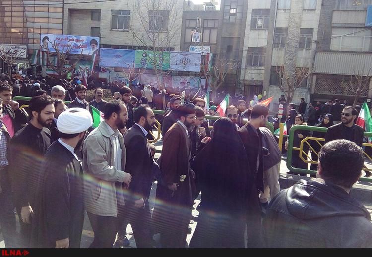 فرزند رهبر انقلاب در راهپیمایی 22 بهمن (عکس)