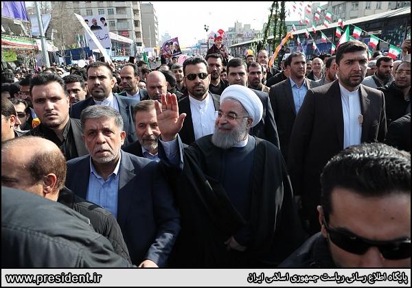نتیجه تصویری برای حسن روحانی راهپیمایی 22 بهمن 98