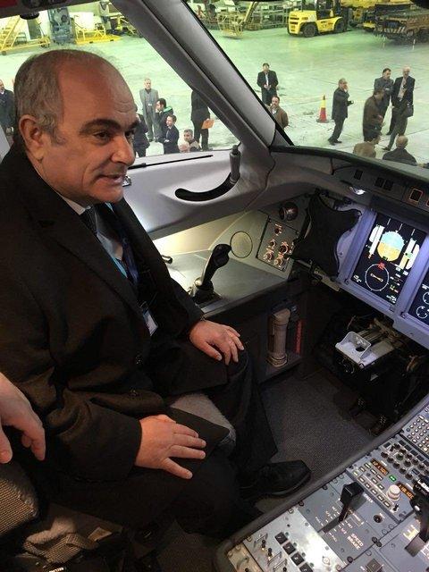 بازدید سفیر روسیه در ایران از نمایش سوخو سوپرجت 100 روسی (عکس)