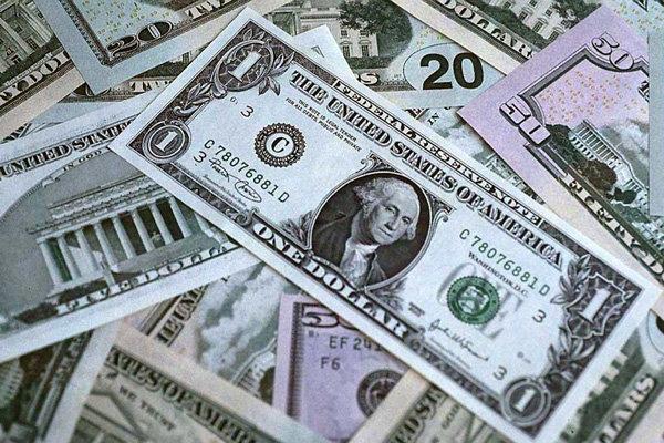 دلار آزاد 42 تومان ارزان شد