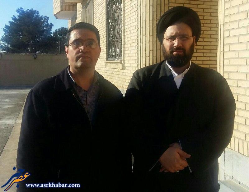فعال رسانه اي در كنار سيد علي خميني (عكس)