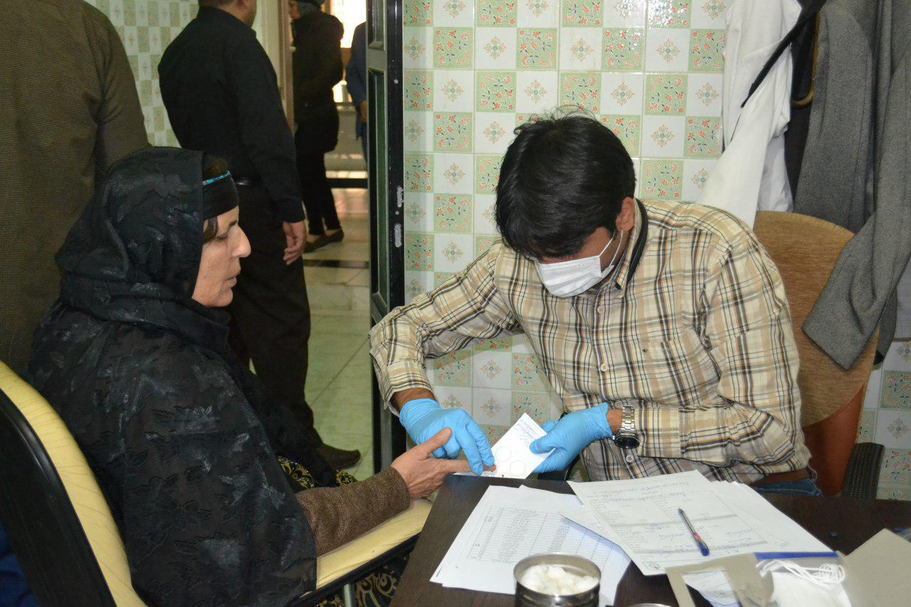 آغاز نمونه گیری از خانوادههای مسافران سقوط هواپیمای تهران - یاسوج (+عکس)