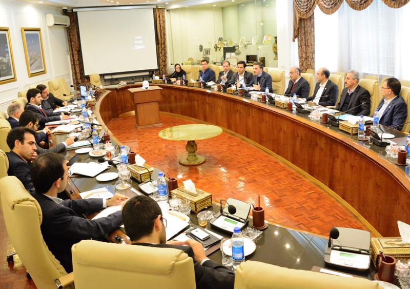 مدل جدید تامین مالی پروژه های نفت با همکاری وزارت نفت و بانک تجارت
