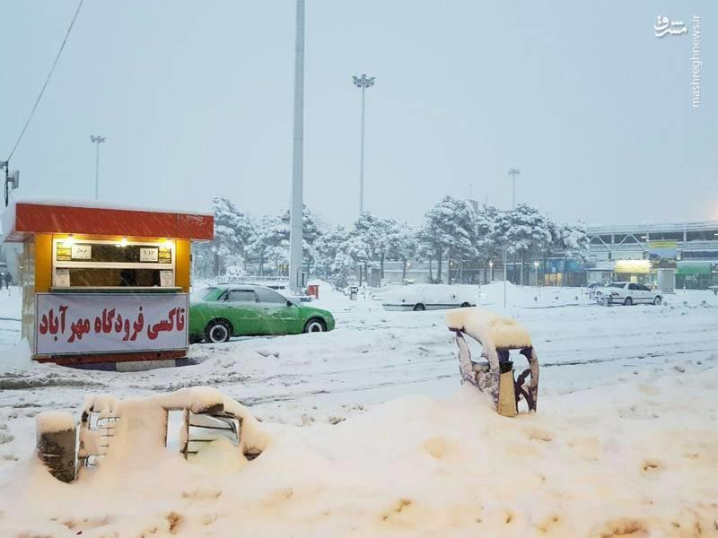 فرودگاه مهرآباد غرق در برف (عکس)