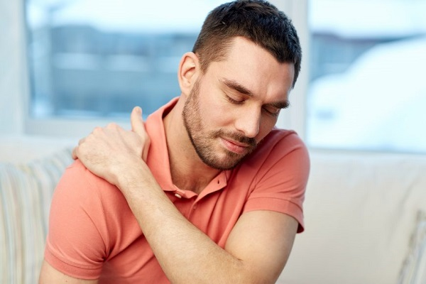 رابطه شانه درد و حمله قلبی