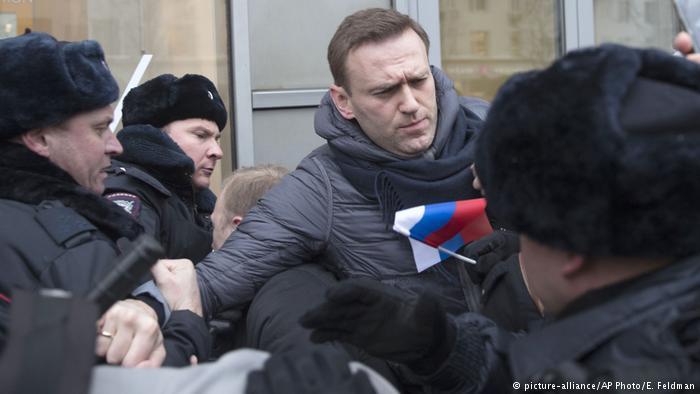 روسیه؛ تظاهرات هزاران حامی تحریم انتخابات و مخالفان پوتین (+عکس) / بازداشت 180 نفر