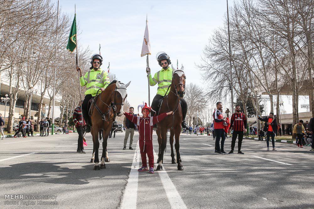 پلیسهای اسب سوار در مجموعه ورزشگاه آزادی (عکس)