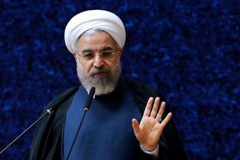 «بیعقل» خواندن مخالفان دولت؛ نه در شان روحانی نه در شان ما